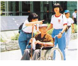 学童・生徒のボランティア活動の様子